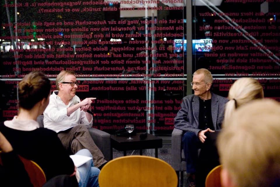 KWI on Tour: Volker Heins und Judith Funke im Gespräch mit dem Konzeptkünstler Jochen Gerz