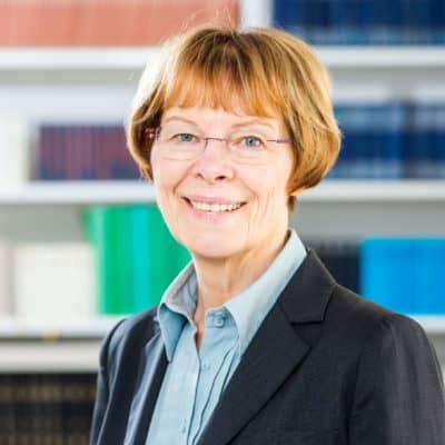 Portrait Dr. Louise Röska-Hardy