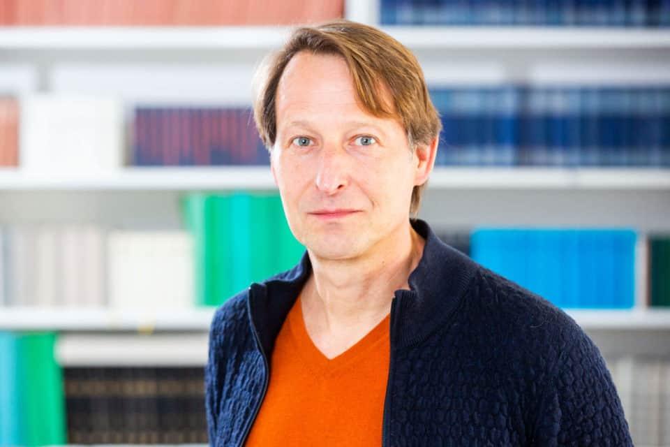 Dr. Uwe Dörk