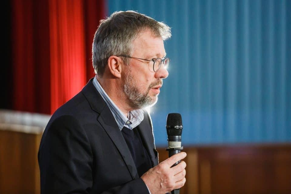 """CineScience """"Komik"""": Hubert Spiegel über den """"Rhythmus der Komik im Film"""""""